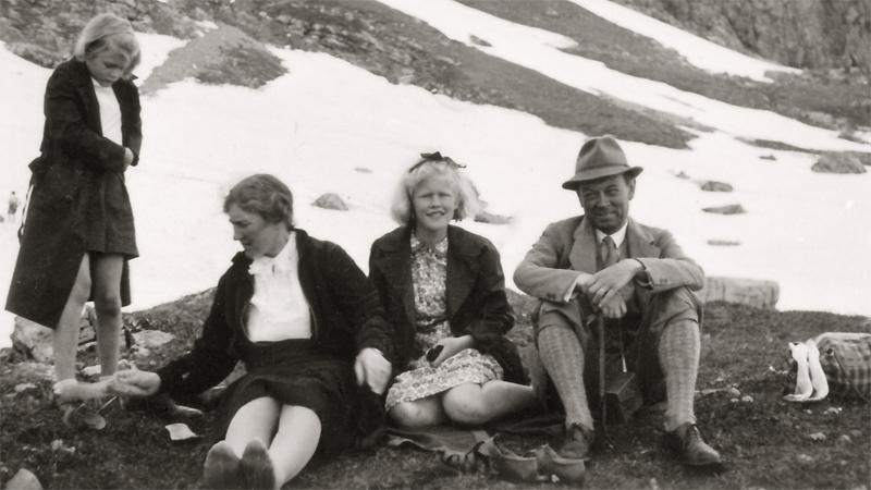 Farmor Ruth och hennes döttrar Johanna Schartau